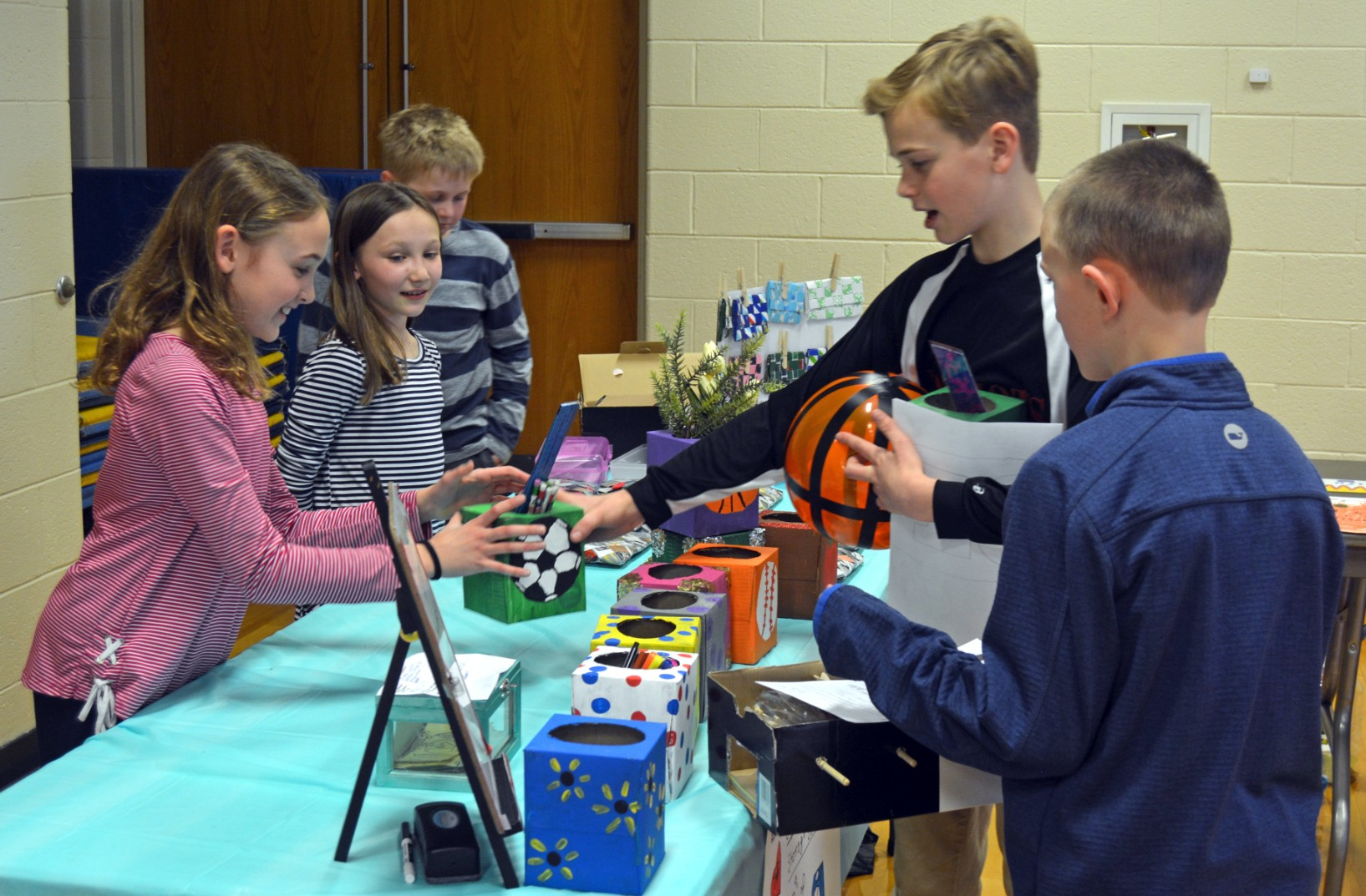 FOURTH GRADERS DEMONSTRATE BUSINESS ACUMEN AT MINI SOCIETY