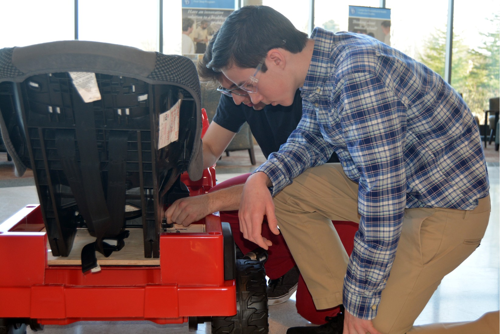 Ongoing UD partnership provides 8th graders with immersive STEM experience